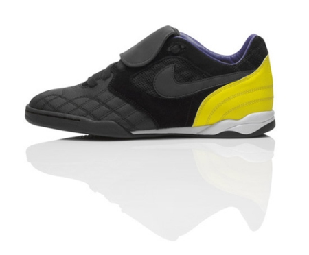 nike-sportswear-lance-armstrong-foundation-livestrong-collection-04