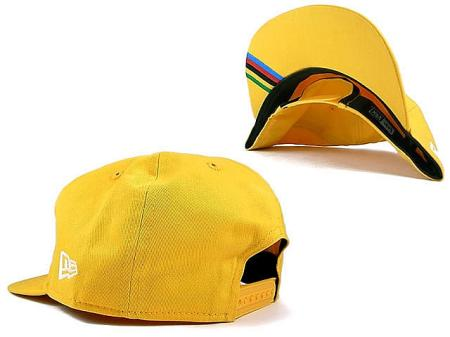 bike-cap-yellow-detail