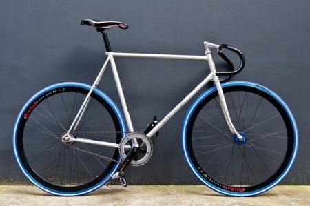 carnival-tokyo-kinfolk-fixed-gear-bike-1